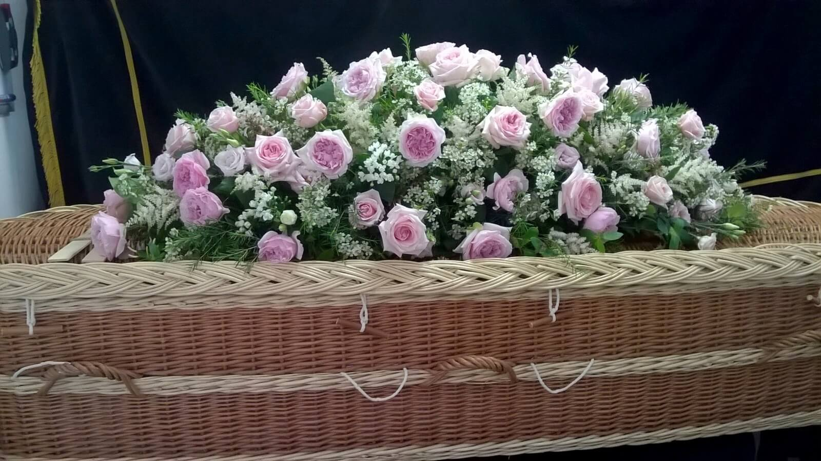 Funeral flowers beaulieu hythe dibden belle and blossom the flowers were amazingthey looked gorgeous on the coffin must have taken hours of work what an artist and then the bouquets we couldnt be izmirmasajfo